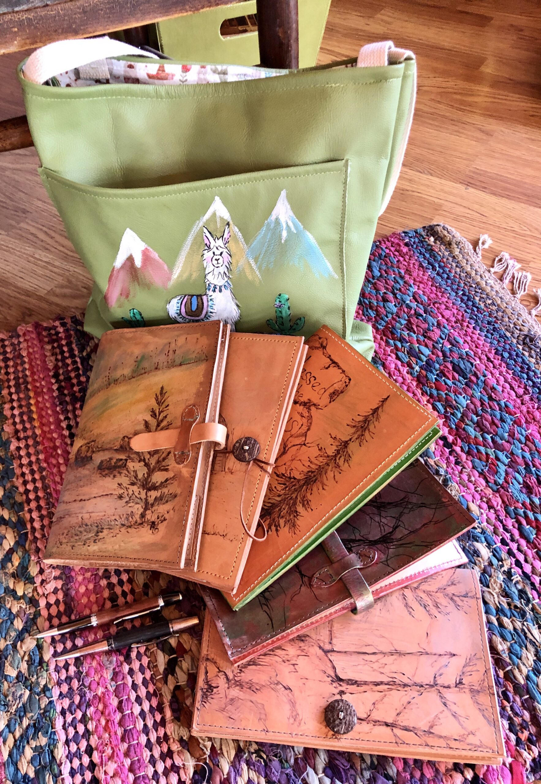 https://www.etsy.com/NorthernFern/listing/748182578/veg-tan-leather-journal-artisan-made?utm_source=Copy&utm_medium=ListingManager&utm_campaign=Share&utm_term=so.lmsm&share_time=1606079525162